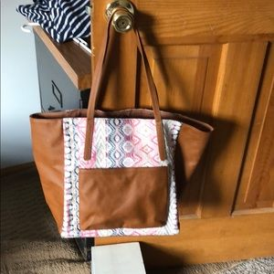 Southwest Style Tote With Lots Of Pockets Nwt Poshmark